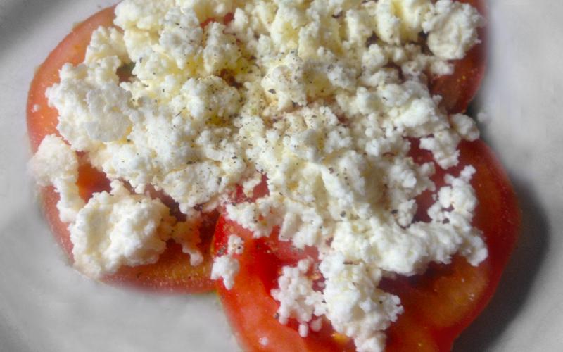 Hüttenkäse tomaat