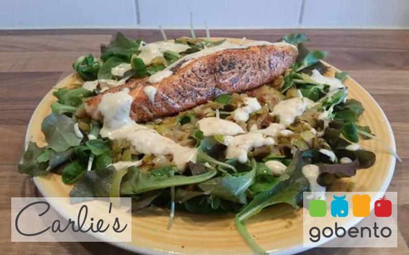 Salade met prei en zalm