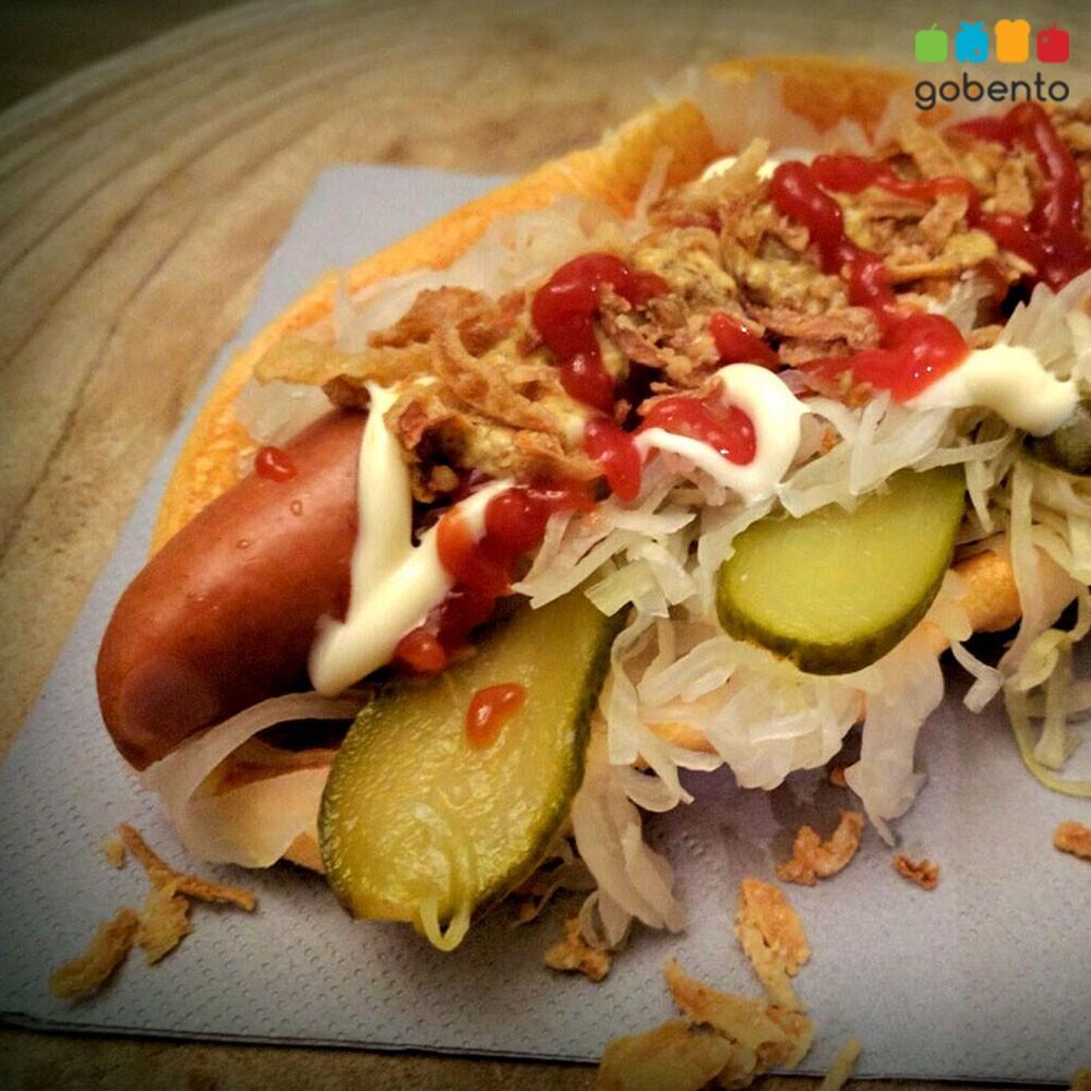 Hotdog met oopsie broodje Koolhydraat arm, keto dieet.